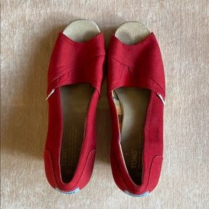 Barely worn TOMS red wedges